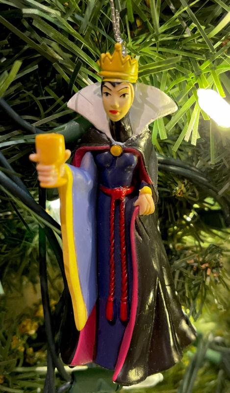 "2021 Evil Queen Villain Christmas Ornament Snow White  & Seven Dwarfs New 3.5"""