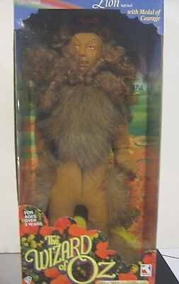 Trevco The Wizard Of Oz  COWARDLY LION with Medal of Courage Character - Wizard Of Oz Cowardly Lion Medal