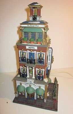 Dept 56 PARAMOUNT HOTEL - Christmas in the City Series (#56.58911) Missing Star