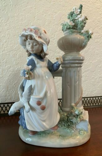 LLADRO Glorious Spring Girl w/ Dove & Flowers No Umbrella #5284 Retired