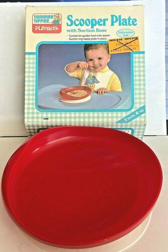 Vintage PLAYSKOOL Red Plastic TOMMEE TIPPEE Scooper Plate w/ Suction Base in Box