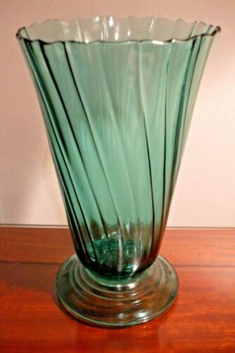 JEANNETTE DEPRESSION GLASS ULTRA MARINE PETAL SWIRL FLUTED VASE
