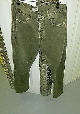 mens Jack & Jones Jeans .Olive green Anti fit Tapered jeans size 32 X 32 (AD905)
