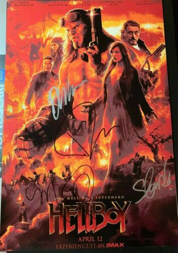 DAVID HARBOUR SIGNED HELLBOY PHOTO CAST 12X18 MILLA JOVOVICH AUTOGRAPH DANIEL