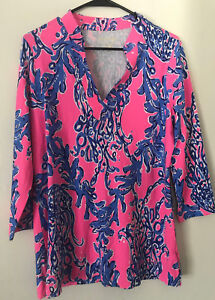 801c33e8fd4490 Lilly Pulitzer UPF 50+ Vero Tunic Top Kir Royal Caught In Coral Size M New