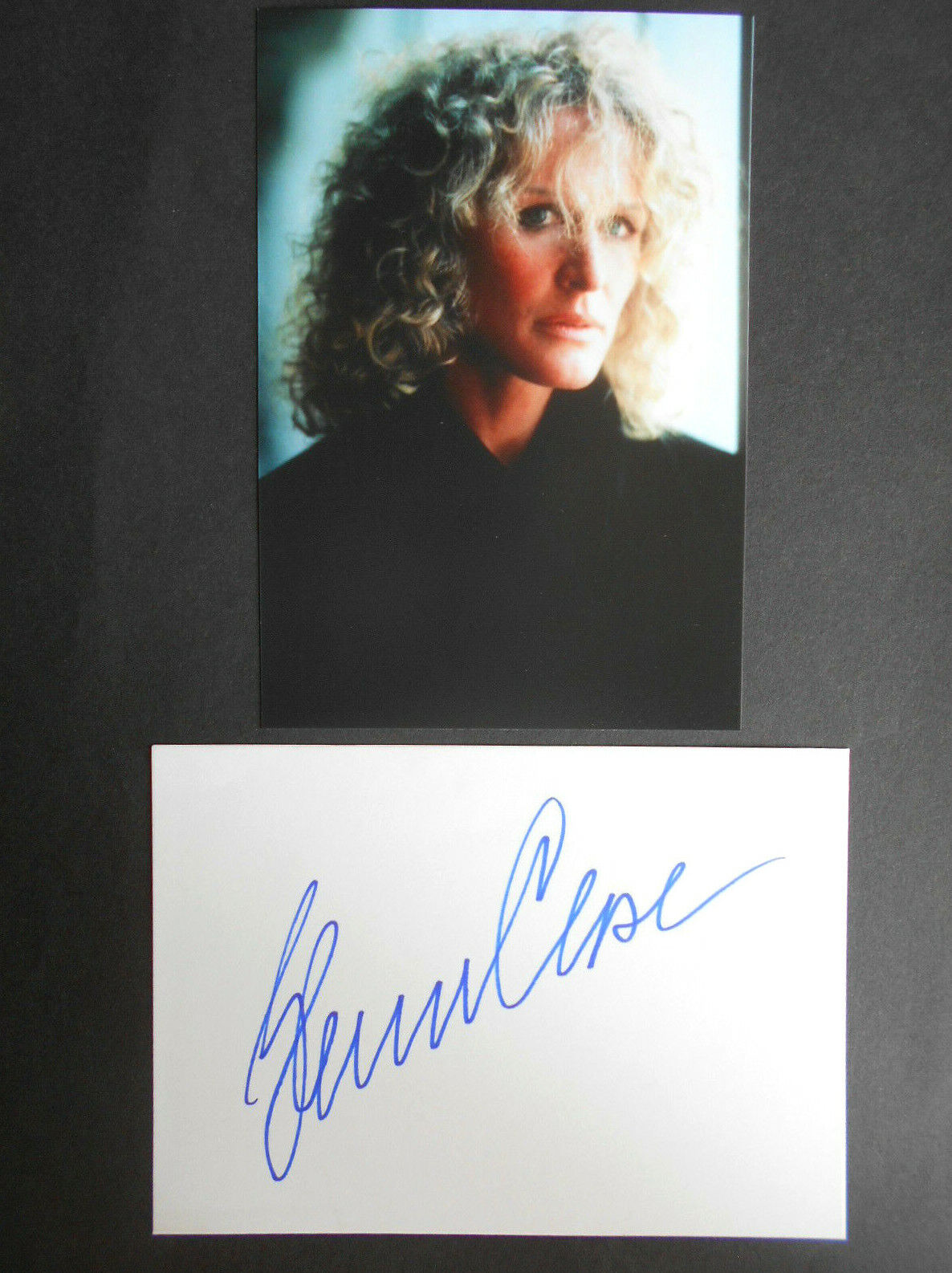 GLENN CLOSE original signiert – BRIEFKARTE und FOTO