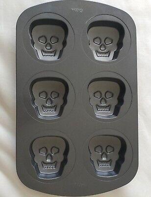 Wilton Halloween 3D Mini Skull Pan Bakeware Cake Muffin Skeleton Monster Face  (3d Halloween Skull Cake Pan)