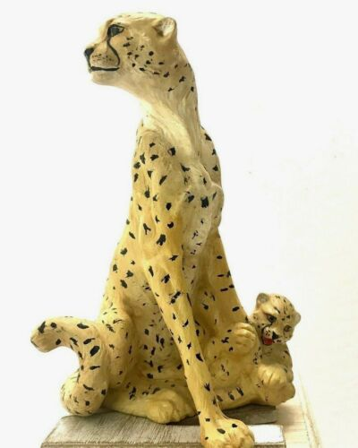 Vintage African Savannah Muscular Cheetah Sculpture Statue Exotic Wildlife Cat