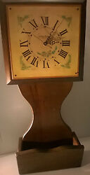 Vintage COTTAGE CREATIONS SOLID PINE WALL CLOCK PLANTER / WORKS GREAT