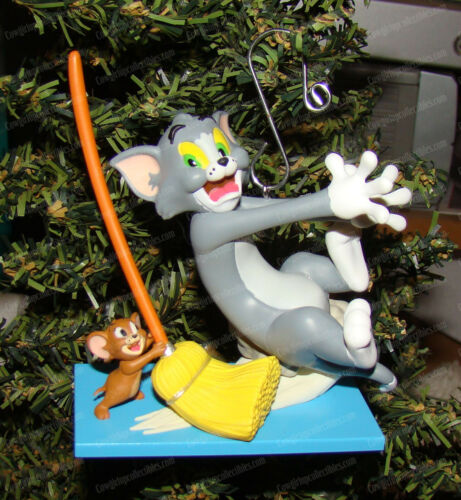 Tom & Jerry, Mouse Cleaning Ornament (WB by Hallmark Keepsake, QXI2966) 2018