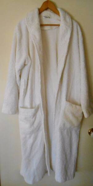 Christian Dior men\'s teens white towelling dressing gown size 18 ...