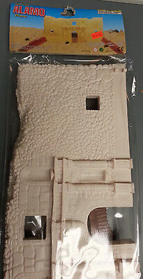 Alamo Toy Soldier Action Figure Set Front Of Fort And 2 Earthworks