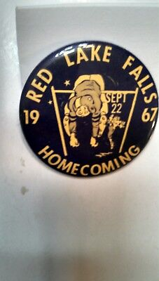 Vintage Collectible ButtonPinBack Red Lake Falls MN 1967 Homecoming NiceGraphics