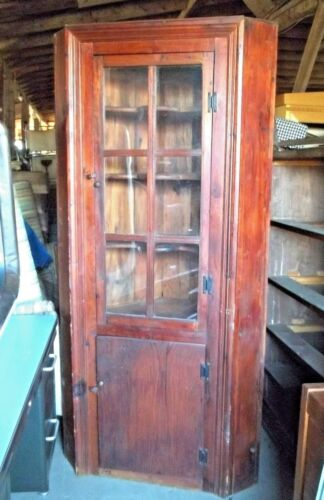 VINTAGE EARLY COLONIAL STYLE GLASS DOOR Hand Crafted COUNTRY CORNER CUPBOARD