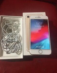 iPhone 7-128GbFactory Unlocked Gr8 Cond W Box,Accesories&S prot