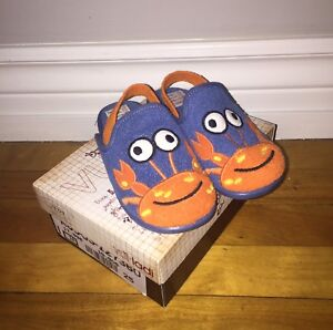 BRAND NEW TODDLER SLIPPERS (SIZE US 8.5 - 9)
