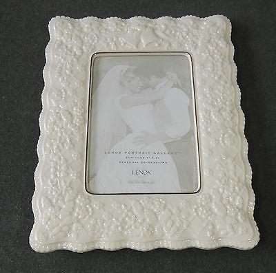Lenox 5x7 Personal Expression Wedding Promises Ivory Porcelain Picture Frame EUC