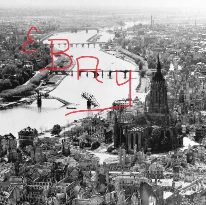 WWII 8X10 AERIAL RECON PHOTO 8TH USAAF DESTRUCTION BRIDGES FRANKFURT GERMANY