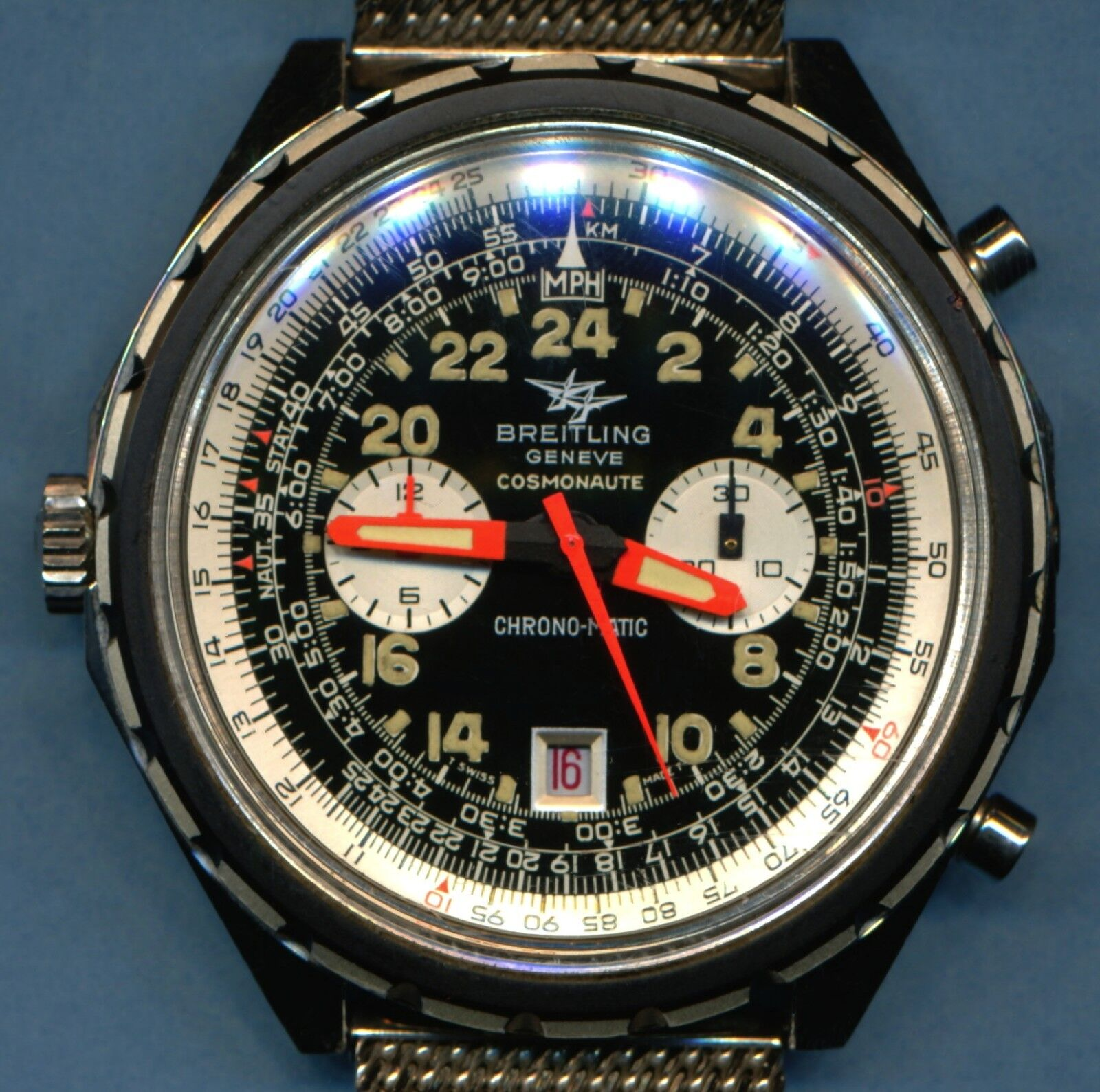 EXCEPTIONAL HUGE NEAR MINT VINTAGE 1970 BREITLING 1809 COSMOANUTE CHRONOGRAPH - watch picture 1