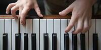 LOVE TO LEARN PIANO!