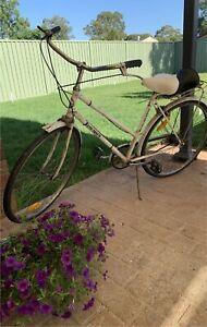 Womens Vintage Retro Free Spirit Bicycle. Working Order