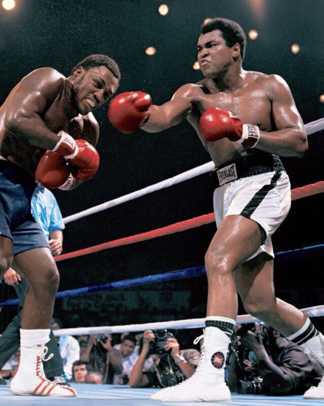 Muhammad Ali And Joe Frazier Boxing Warriors 8x10 Photo Print