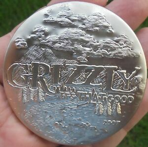 Grizzly Wintergreen Pouches Camo Can