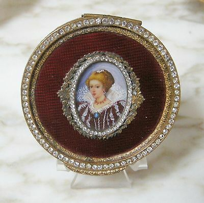 VINTAGE ITALIAN Cherry Red GUILLOCHE ENAMEL Hand Painted Lady JEWELED COMPACT