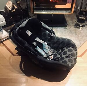 Coquille Peg Perego avec 2 bases