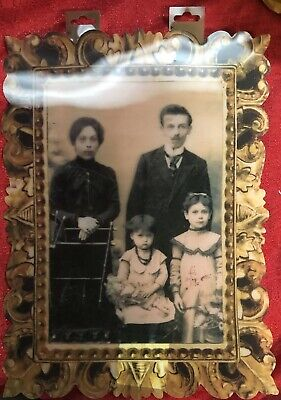 """Haunted Halloween Portraits (Halloween Lenticular Haunted Portrait Ghost 3D Changing 10x14"""" Family)"""