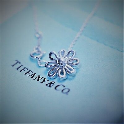 Tiffany & Co. Paloma Picasso Sterling Silver 925 Daisy Flower Pendant (Tiffany Flower)