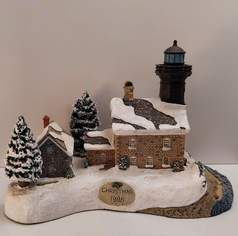 Harbour Lighthouses #707 Old Field Point - 1998 Christmas