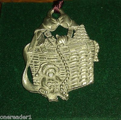 Longaberger Pewter 1995 CRANBERRY BASKET CHRISTMAS ORNAMENT TIE-ON Tie-on ~NEW