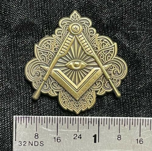 Ornate Masonic Freemason Square Compasses All seeing Eye Pin gold
