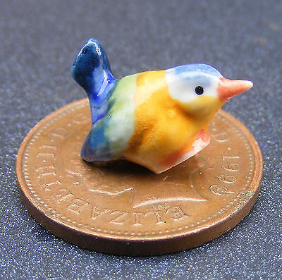 1:12 Scale Multi Coloured Ceramic Bird Garden Dolls House Miniature Accessory A