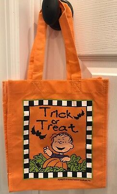 Peanuts Halloween GREAT Pumpkin Patch Linus TRICK or TREAT fabric CANDY RARE!](Peanuts Linus Halloween)