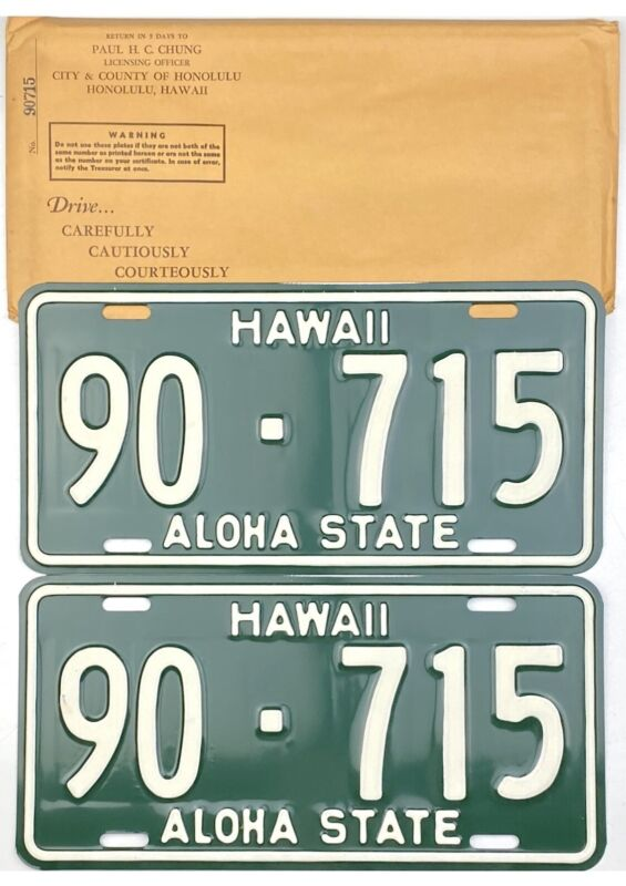 NOS UNUSED 1961 Hawaii License Plate PAIR #90-715 WITH ORIGINAL ENVELOPE YOM
