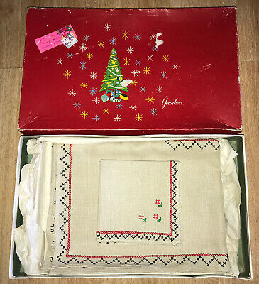Vtg Christmas Gift Younkers Department Store Tablecloth & Napkin Set New Unused