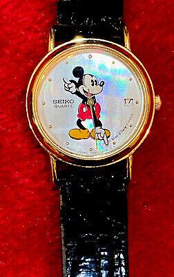 Vintage Walt Disney Company Seiko Quartz Pearl Face Date/Time Mickey Mouse Watch