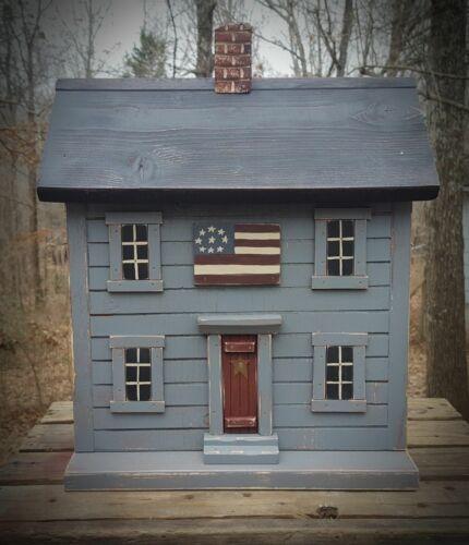 Functional Birdhouse , Americana Birdhouse , Primitive Birdhouse ,  Flag , USA