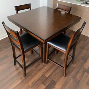 Table and bar stools (5 piece dinette)