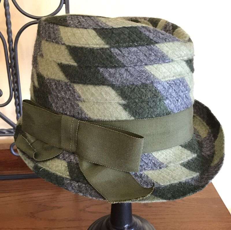 Vintage Union Made #459874 Ladies Womens Greens Gray Felt Hat with Bow Sz 6