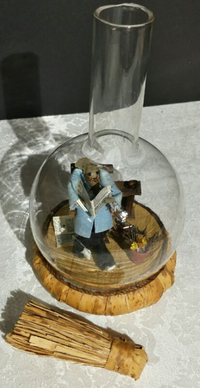 Vintage - Miniature Diorama Mouse Reading Newspaper in bottle ENESCO 1974