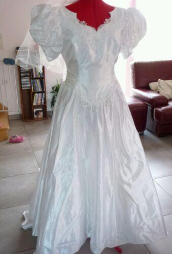 Robe de mariée + jupon + voile long taille 40