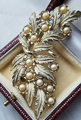 Lovely Vintage 1950s Cream Enamel and Pearl Floral Brooch Pin Coro Jewelcraft