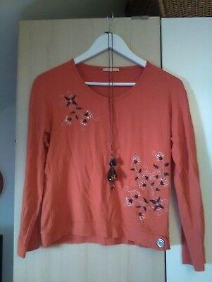 Damen Langarmshirt mit Applikationen von Blumen in Größe 40 mit einer Kette - Ein Langarm-shirt