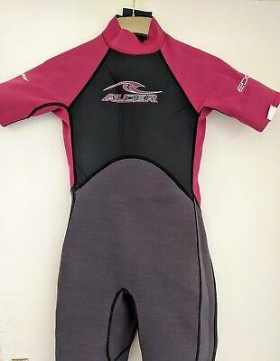 Girl's Alder Edge 2mm Shortie Wetsuit Size 2XL Age 12-13 Surf Beach Watersports ()