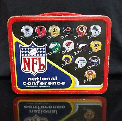 Vintage NFL lunch box 1976 Good condition corner logo - no