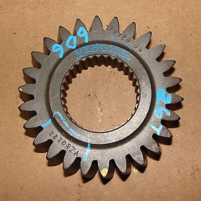 Yz80222 John Deere 4200 4300 4400 Countershaft 1st Gear