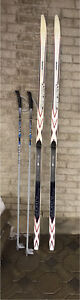Superbe ensemble de skis de fond en très bonne condition